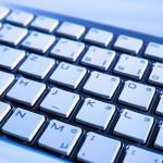 La modération des réseaux sociaux remise en question par plusieurs associations