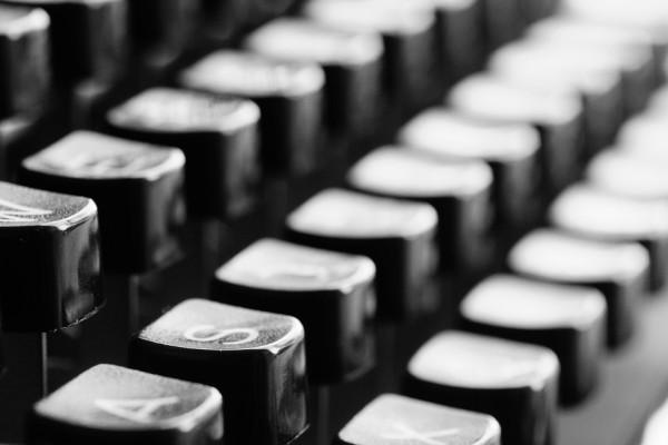 typewriter-726965_960_720