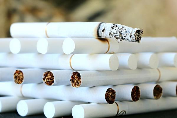 cigarette-1642232_1280