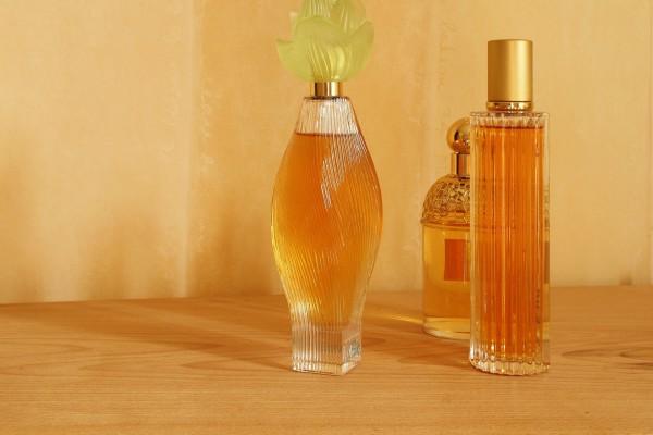 perfume-1494434_1920