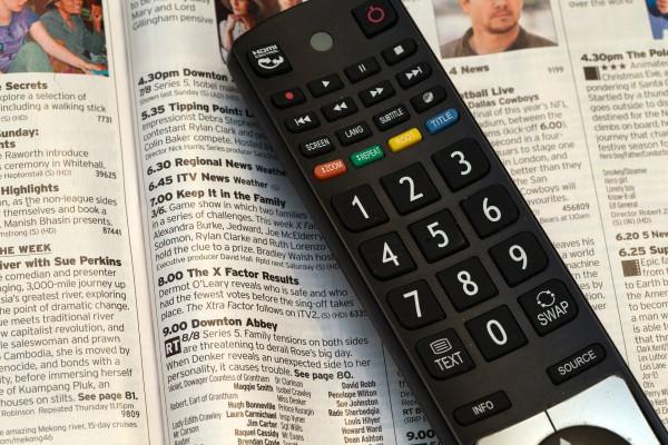 television-remote-control-525705_1920