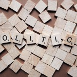 Pluralisme politique dans les services de radio et de télévision