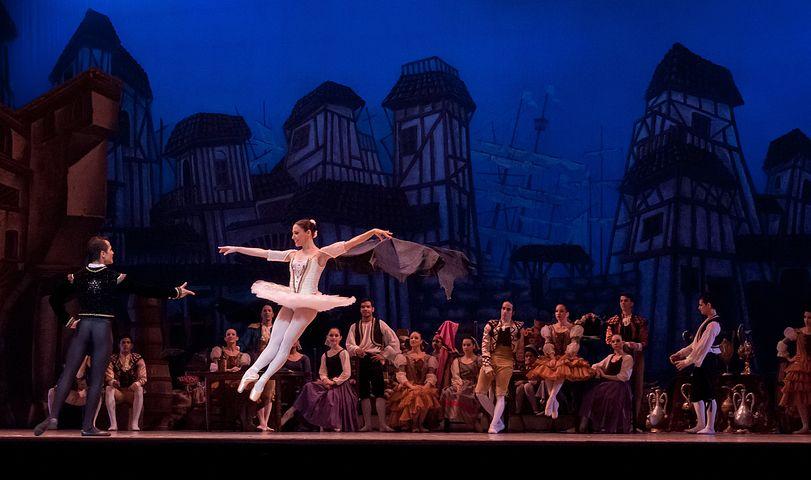 ballet-545291__480