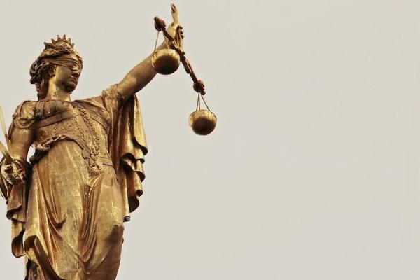 justitia-2597016__480